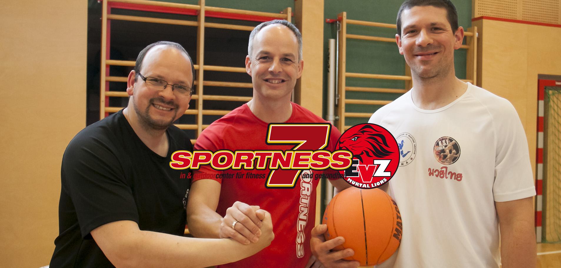 Coach Michael Pollross mit Sportness 7 Chef Dieter Gruber und KM II Head Coach Markus Marschnig